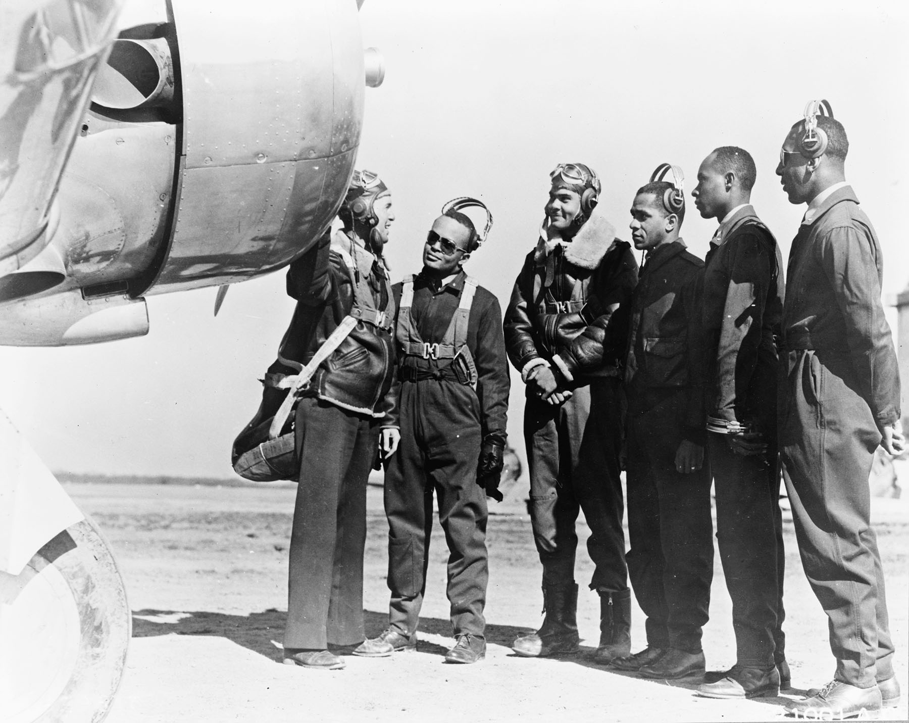 tuskegee airmen The tuskegee airmen epitomize courage and heroism their story, however, is more than just their legendary success escorting american bombers over nazi germany their story begins more than 23 years earlier.